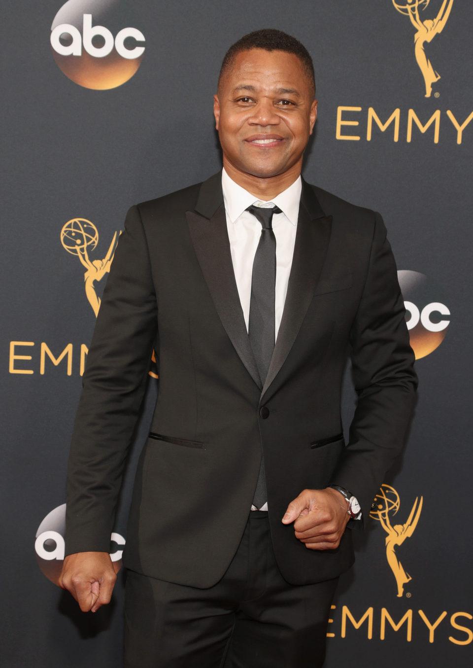 Cuba Gooding Jr. en la alfombra roja de los Emmy 2016