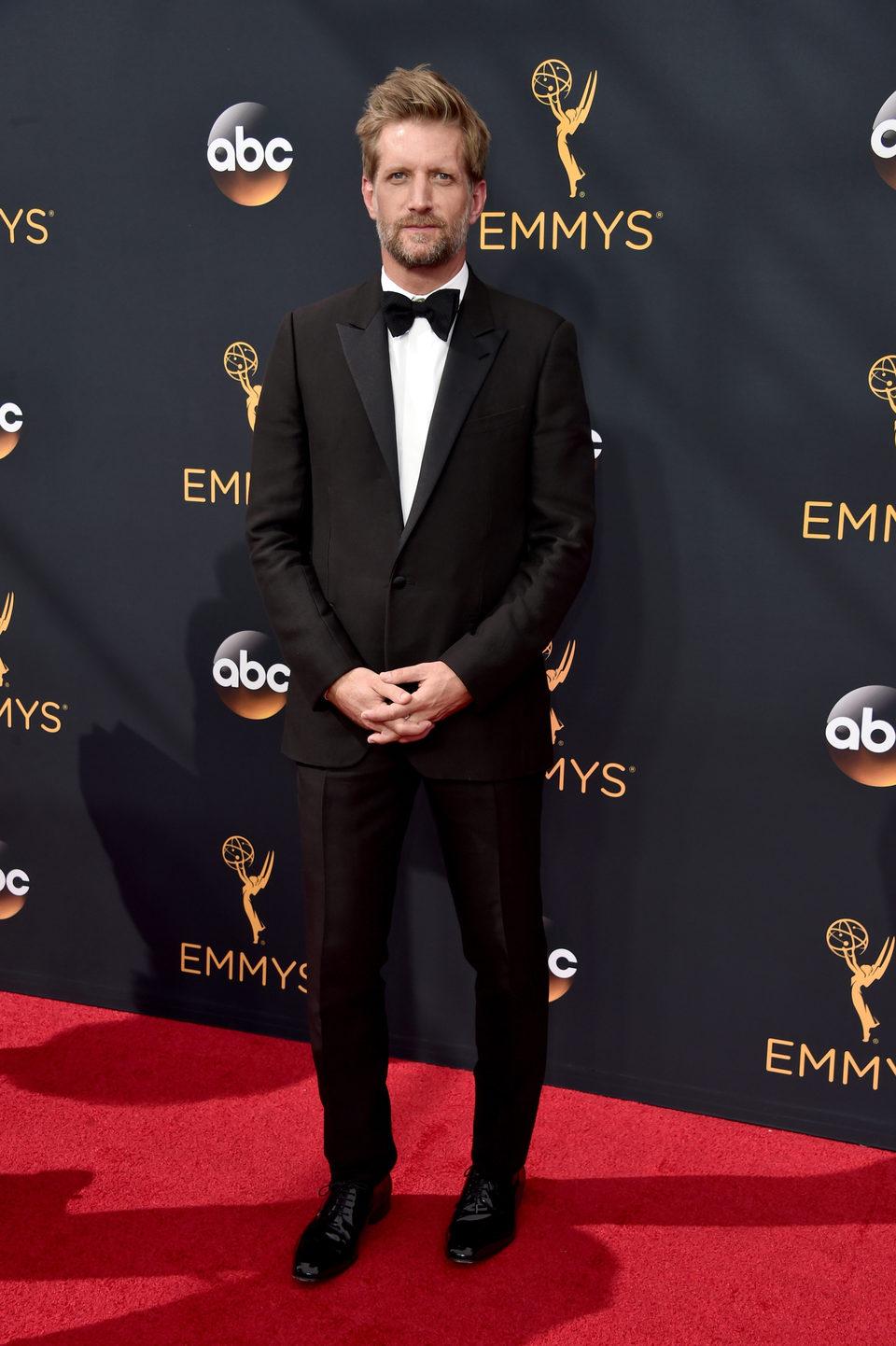 Paul Sparks en la alfombra roja de los Emmy 2016