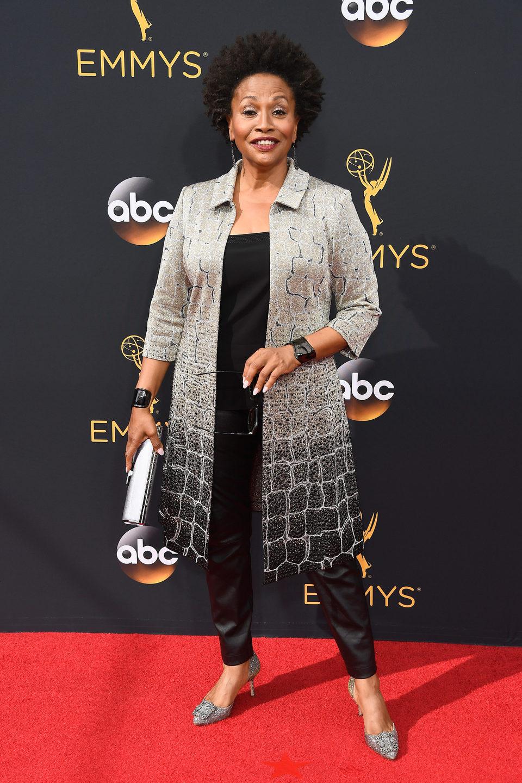Jennifer Lewis en la alfombra roja de los Emmy 2016