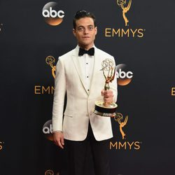 Rami Malek tras la ceremonia de los Emmy 2016