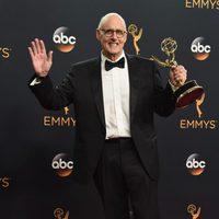 Jeffrey Tambor tras la ceremonia de los Emmy 2016