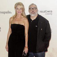 Belén Rueda y Álex de la Iglesia en la premiere de 'Un monstruo viene a verme'
