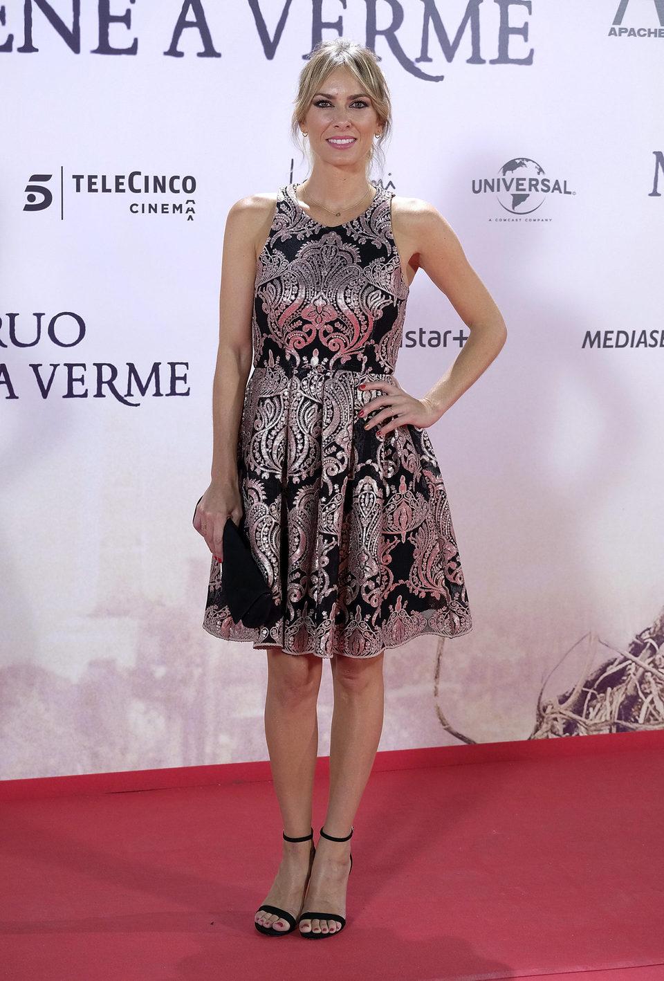 Kira Miró en la premiere de 'Un monstruo viene a verme'