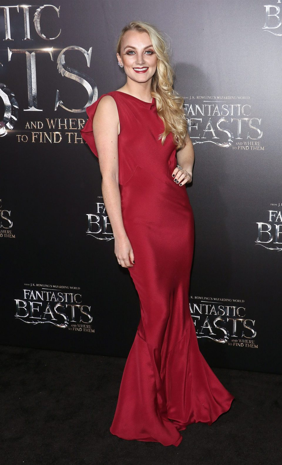 evanna lynch at the world premiere of fantastic beasts and where to
