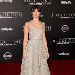Felicity Jones, protagonista de 'Rogue One', en la presentación de la cinta