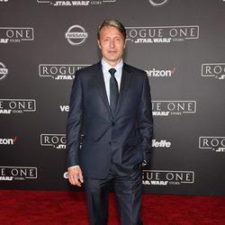 Mads Mikkelsen es Galen Erso en el spin-off de 'Star Wars'