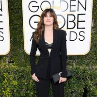 Kathryn Hahn at Golden Globes 2017 red carpet