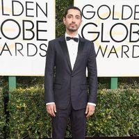 Riz Ahmed at the 2017 Golden Globes red carpet