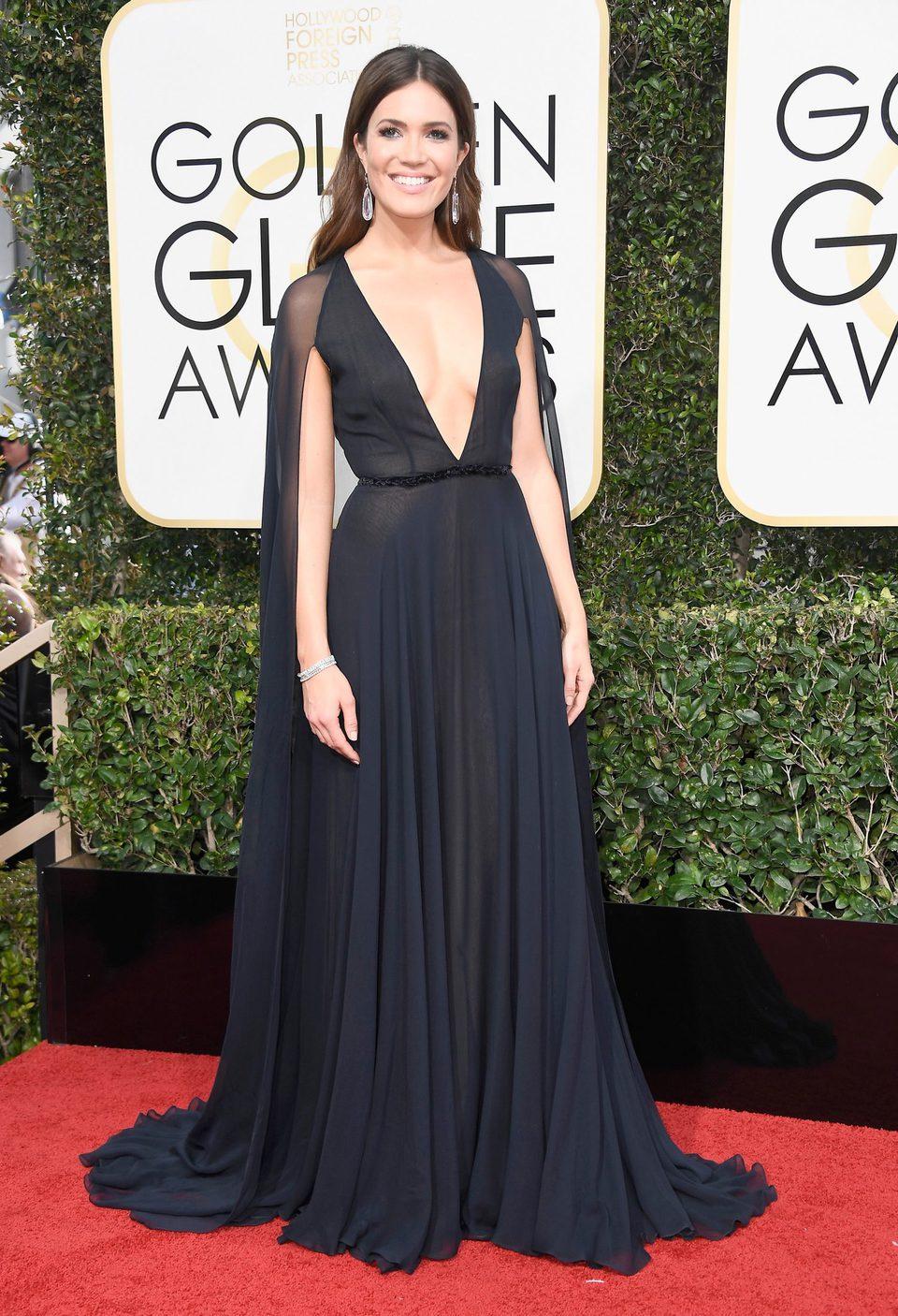 Mandy Moore en la alfombra roja de los Globos de Oro 2017