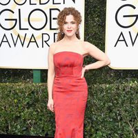 Bernadette Peters at Golden Globes 2017 red carpet