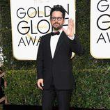 J.J. Abrams posa en la alfombra roja de los Globos de Oro 2017