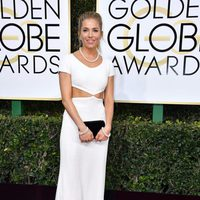 Sienna Miller at Golden Globes 2017 red carpet