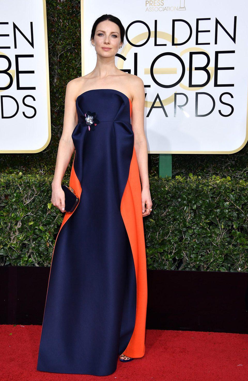 Caitriona Balfe en la alfombra roja de los Globos de Oro 2017