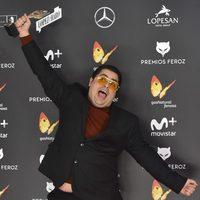 Brays Efe ganador en la alfombra roja de los Premios Feroz 2017