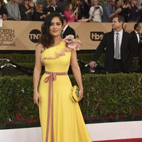 Salma Hayek on the red carpet of SAG Awards 2017