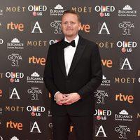 El guionista Patrick  Ness en la alfombra roja de los Premios Goya 2017