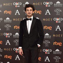 Miki Esparbé, actor de  'El rey tuerto', en la alfombra roja de los Premios Goya 2017