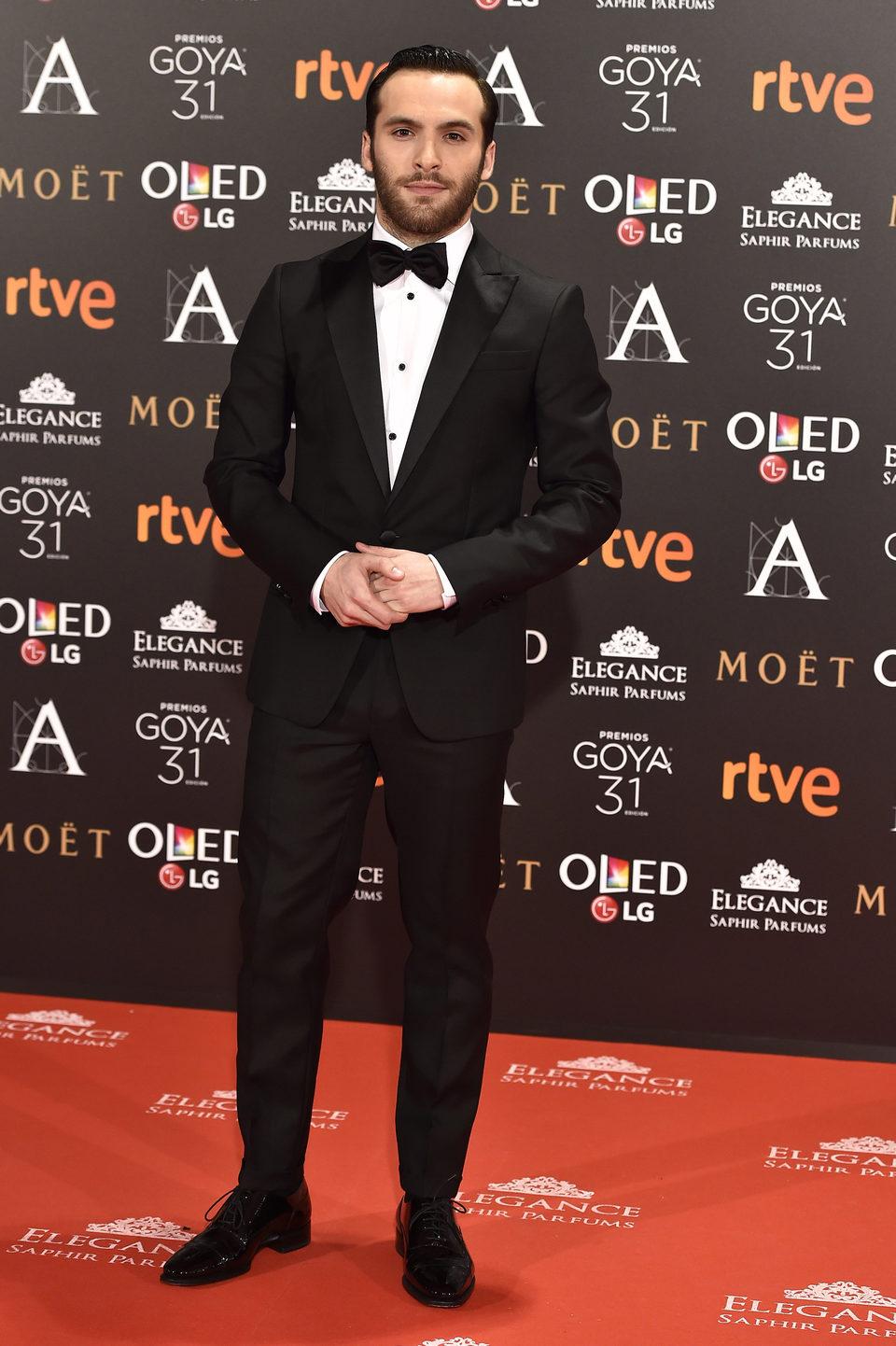 Ricardo Gómez, actor de la serie 'Cuéntame cómo pasó' en la alfombra roja de los premios Goya 2017