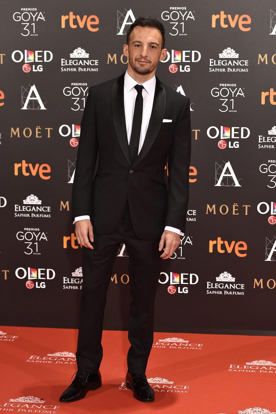 El director Alejandro Amenábar en la alfombra roja de los premios Goya 2017