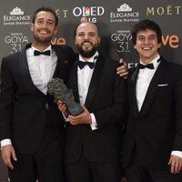 Guillermo Garcia Lopez y el equipo ganador del Goya 2017 a Mejor Película Documental por 'Frágil equilibrio'