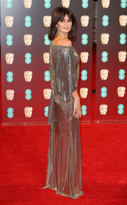 Penélope Cruz posa en la alfombra roja de los BAFTA 2007