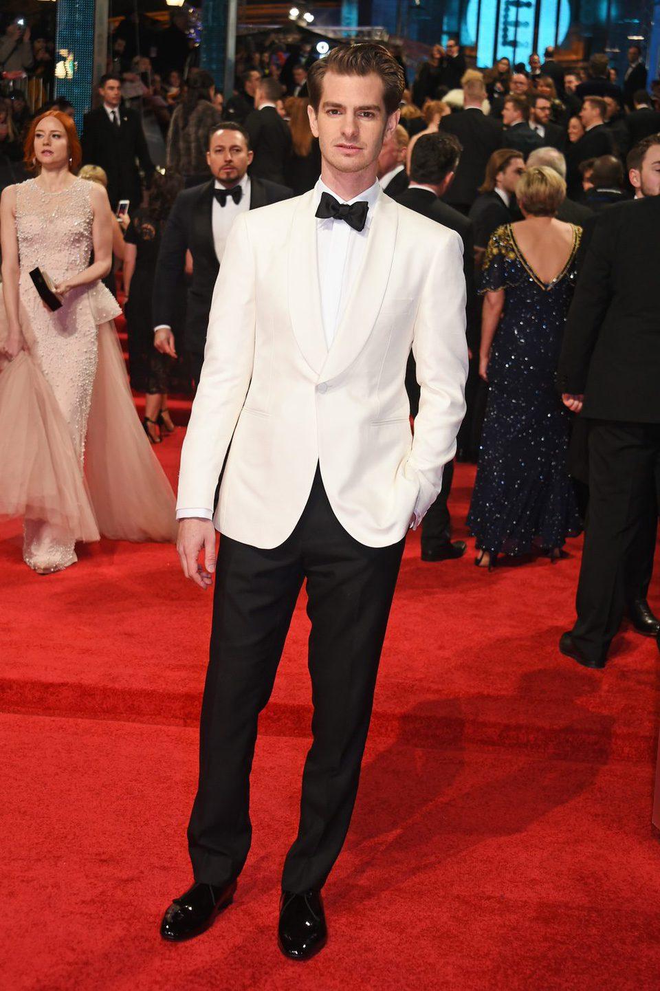 Andrew Garfield en la alfombra roja de los BAFTA 2017