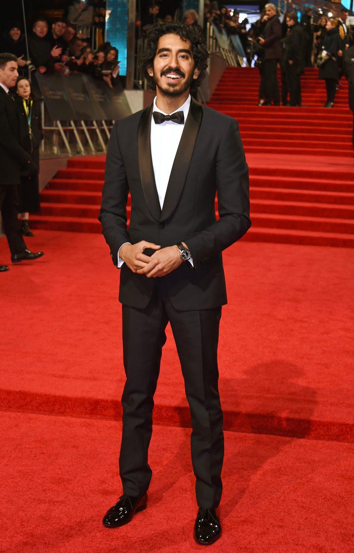 El protagonista de 'Lion', Dev Patel, en la alfombra roja de los BAFTA 2017
