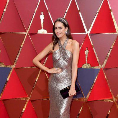 Louise Roe en la alfombra roja de los Oscar 2017