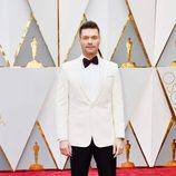Ryan Seacrest en la alfombra roja de los Oscar 2017