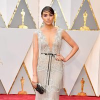Olivia Culpo at the 2017 Oscars red carpet