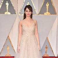 Felicity Jones at the 2017 Oscars red carpet