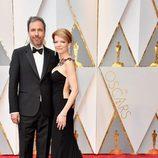 Denis Villeneuve en la alfombra roja de los Oscar 2017