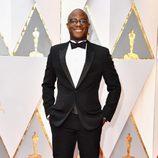 Barry Jenkins posa en la alfombra roja de los Premios Oscar 2017