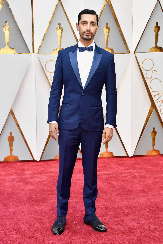 Riz Ahmed en la alfombra roja de los Oscar 2017