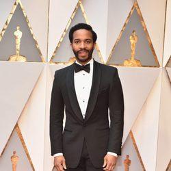 Andre Holland en la alfombra roja de los Premios Oscar 2017