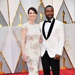 Jessica Oyelowo y David Oyelowo en la alfombra roja de los Premios Oscar 2017