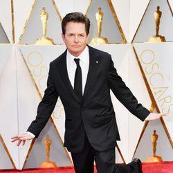Michael J. Fox posando a lo 'La La Land' en la alfombra roja de los Premios Oscar 2017