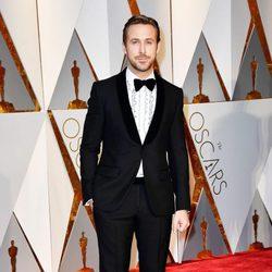 Ryan Gosling en la alfombra roja de los Premios Oscar 2017