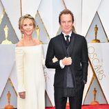 Sting y Trudie Styler en la alfombra roja de los Premios Oscar 2017