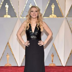 Kate McKinnon en la alfombra roja de los Oscar 2017
