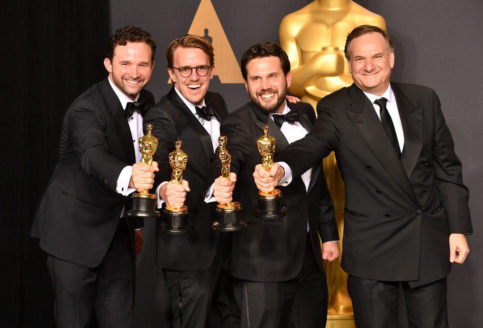 Dan Lemmon, Andrew R. Jones, Adam Valdez y Robert Legato, ganadores del Oscar a Mejores Efectos Visuales por 'El Libro de la Selva'