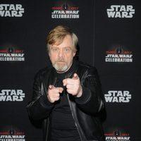 Mark Hamill posando en la Star Wars Celebration