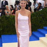 Gwyneth Paltrow en la alfombra roja de la Gala Met 2017