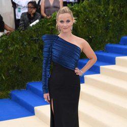 Reese Witherspoon en la alfombra roja de la Gala Met 2017