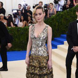 Brie Larson en la alfombra roja de la Gala Met 2017