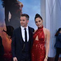Gal Galdot y Chris Pine en la premiere de 'Wonder Woman'