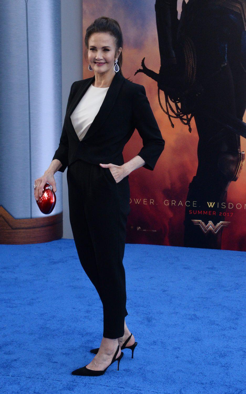 Lynda Carter en la premiere de 'Wonder Woman' #2