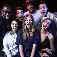 El equipo 'Supergirl' posan alegres en la Comic-Con