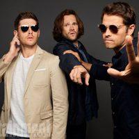 El reparto de 'Sobrenatural' posa durante la Comic-Con 2017