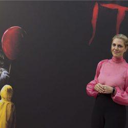 Barbara Muschietti sonríe a la prensa en la presentación de 'It' en Madrid